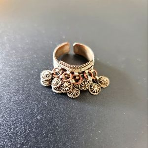 Ring with Round Ornaments
